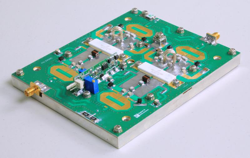 FMUSER DVB-T 200W Telewizja analogowa Wzmacniacz 450W TV 470-860MHz